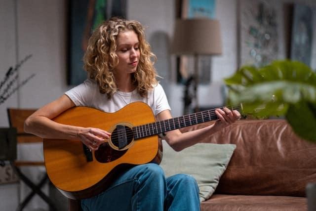 Comment apprendre la guitare facilement ?