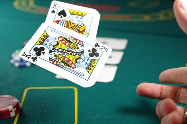 Poker : jouer en ligne pour gagner de l'argent