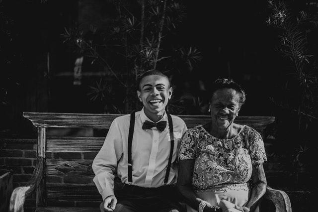 Habiter chez des personnes âgées