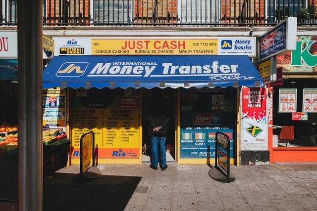 Transfert de monnaie pour gagner de l'argent en comparant